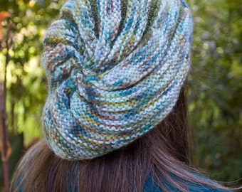 Adult size Chunky Swirl Slouchy Beanie easy to knit basic techniques PDF file only.
