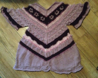 Tunic in a lace pattern in purple shades