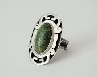 vintage sterling silver ring / green moss agate ring