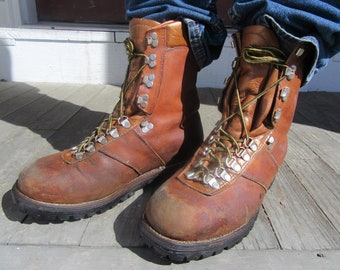 Vintage Chippewa Mountaineer Boots, vintage leather boots, Mountaineer Boots