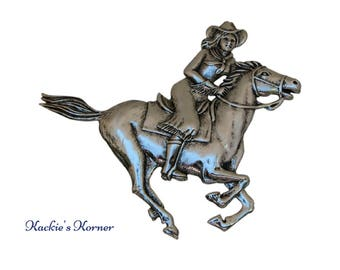 Cowgirl Medallion XL