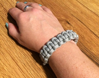 Gray Paracord Bracelet, Gray Woven Bracelet, Camping Bracelet, Hiking Bracelet, Handmade Gray Jewelry, Gray Bracelet