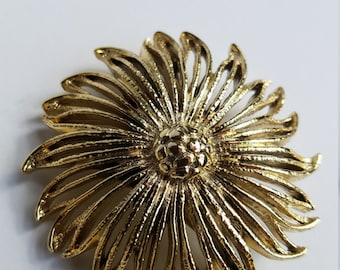 Gold Toned Metal Floral Brooch