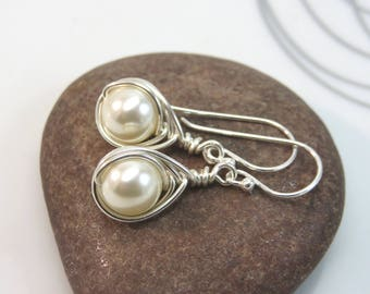 Cream Swarovski pearl earrings argentium sterling silver wire wrapped 8mm cream pearl earrings cream glass pearl earrings