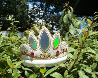 Tangled Crown fits the 5x7 hoop
