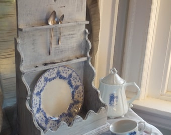 Vintage Cottage Farmhouse Distressed Wood Shabby Spoon Display Wooden Heart Box Poppy Cottage Painted Furniture