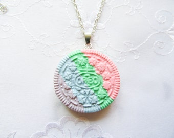 Rainbow Oreo Cookie Necklace, Cookie Necklace, Oreo Necklace, Kawaii, Sweet Lolita, Cute, Food Necklace, Polymer Clay, Pastel, Food Jewelry