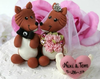 Fox wedding cake topper, bride and groom cake topper, rustic cake topper, animal cake topper, country woodland wedding, with heart banner