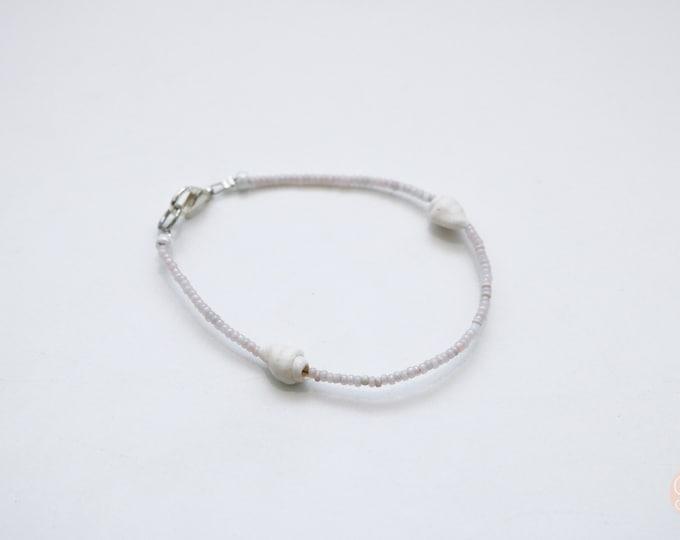 Customizable thin sea shell beaded bracelet any colour