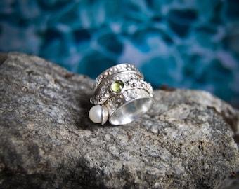Pearl spinner ring, spinner ring, spinning ring, meditation ring, unusual ring, boho ring