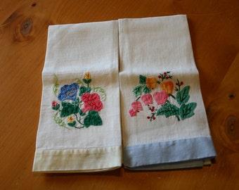 Pretty Hand Appliqued Linen Finger Tip Towels