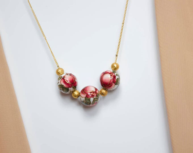 White Rose and Gold Beads Necklace