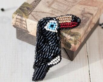 Bird brooch jewelry pin- Black bird brooch - Bird lover gift - Cute jewelry - Small bird jewelry - Small toucan bird pin - Embroidered bird