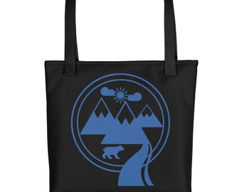 Bear wandering around Tote bag