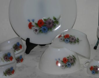 Arcopal French Flowers Plates Ramakins Oven Dish Casserol  Bowls Cup and saucers Flowers  Bindweed   French arcopal dinnerware set 6