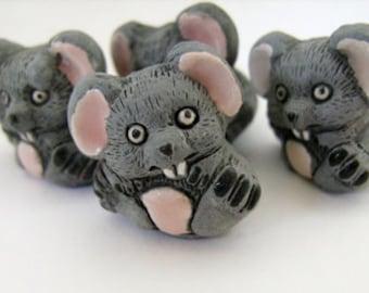 4 Large Mice Beads - sitting - LG334