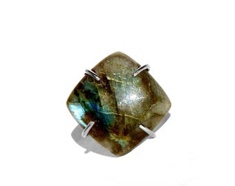 Labradorite Ring in Sterling Silver - Size 8