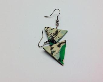 Ohrringe in den Farben Pearl, grün und schwarz