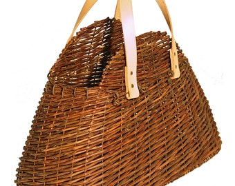 Half moon natural wicker basket bag