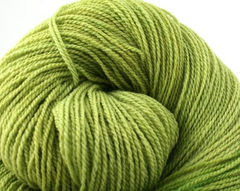 Mohonk Light Hand Dyed fingering weight NYS Wool 550yds 4oz Peridot