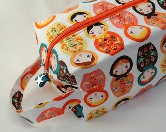 Jumbo Knitting Boxy bag, box project bag, Sweater project tote. Unique metal zipper pull. Matryoshka dolls orange