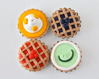 Pie Magnet Set - Blueberry Pie, Key Lime Pie, Banana Cream Pie, Cherry Pie   {cute kawaii clay miniature food}