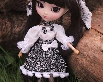 Lolita black and white pullip set