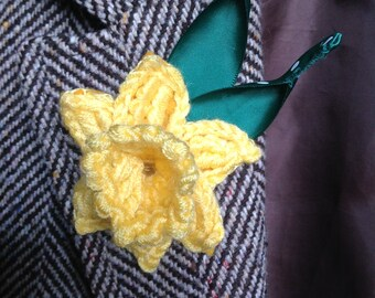 Crocheted daffodil brooch