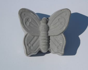 BUTTERFLY from WORMS Concrete tablecloth weights