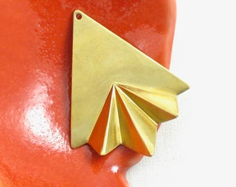 6 gold TRIANGLE jewelry pendants or earring charms brass . 40mm x 32mm (S23). Please read description