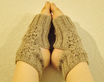 Focus Yoga socks, knitting pattern - Chunky lace Yoga Spats instant download