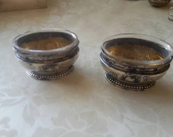 2 pieces of silver bowls for salt and pepper