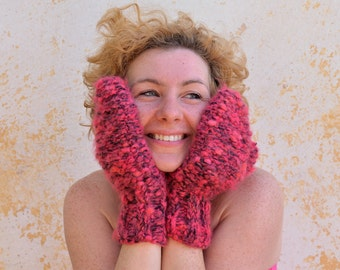 Chunky knit mittens, raspberry pink wool gloves, oversized wrist warmers