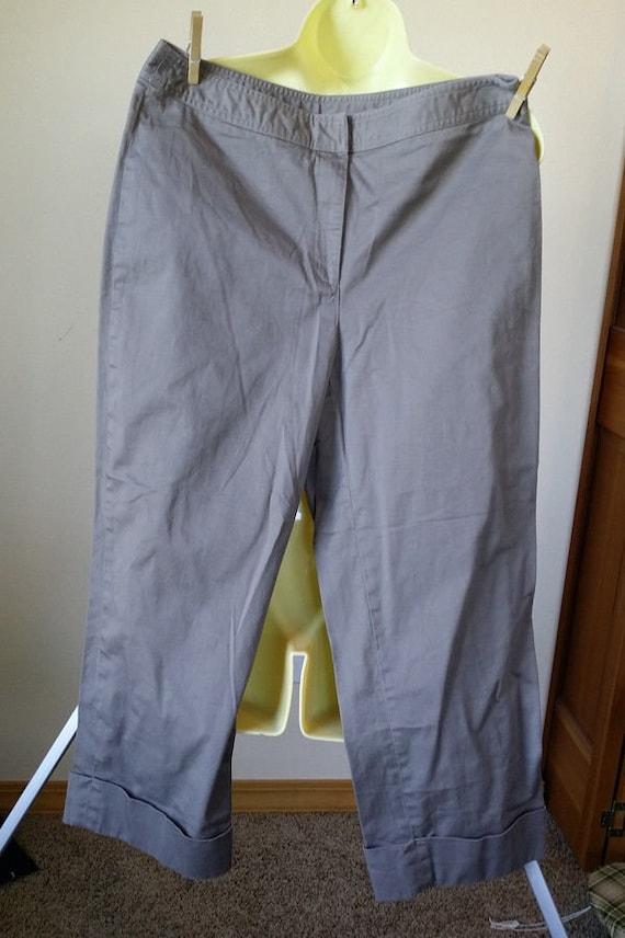 Rafaella gray capris short pants womens size 10 medium 30 x 23 cotton spandex summer clothing