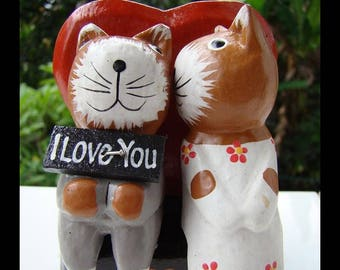 Vintage Hand Carved Wooden Cat Kissing Love Heart St Valentine's Day Wedding Gift