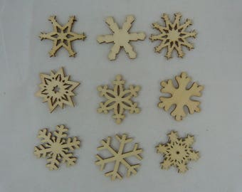 Wooden subjects embellishment: snowflakes