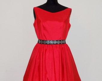 Abito rosso in taffetà  , abito rosso capodanno , vestito da sera cocktail , wedding dress, damigella d'onore , SPEDIZIONE GRATUITA ITALIA,