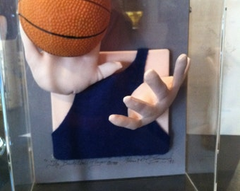 "Shadowbox Soft Sculpture ""The Basketball Player"" 1988 W & H Leonardi Co, Inc Artists NY"