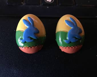 Easter Egg with Bunny Center Stud Earrings   Q60