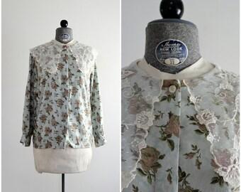 Lace Collar Top • Floral Blouse • 1990s Blouse • 90s Floral Shirt • Lace Blouse • Blue Rose Print • 1980s Blouse • 80s Lace Collar Blouse