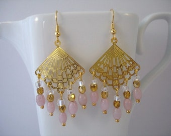 Chandelier earrings diamond shaped with pink beads gold plated