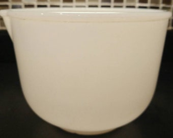 Sunbeam Glasbake mixing bowl. Milk glass.