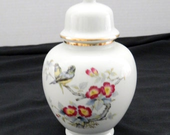 Andrea by Sadek Ginger Jar Japan Hand Painted Black / Yellow Birds Floral #9939
