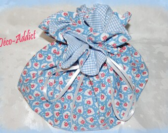 Red roses and blue cotton pouch lined with blue and white gingham