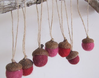 Wool Acorn Ornaments Waldorf Easter Spring Tree Ornaments Fairy Tree Ornaments Woodland Wedding Favor Birthday Baby Shower Party Red Pink