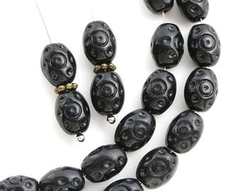 9x7mm Oval Ornament Black beads, Czech glass pressed beads, Boho - 20pc - 1855