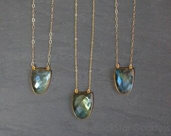 SALE / Labradorite Necklace / Gold Labradorite Necklace / Labradorite Jewelry / Labradorite Gemstone / Gift for Mom
