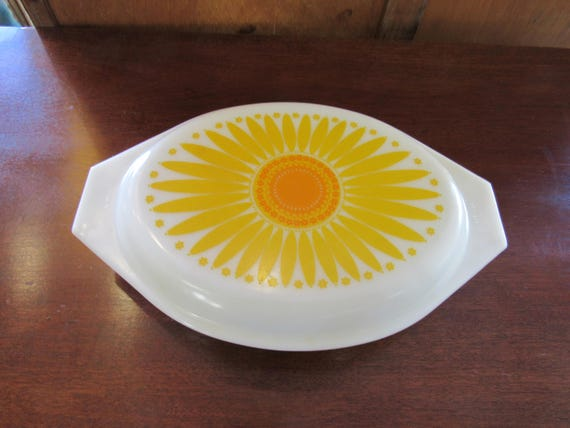 Pyrex Divided Casserole Dish with lid - Sunflower pattern