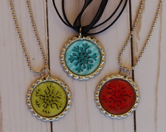 Christmas Necklace, Kids Christmas Gift, Snowflake Necklace, Bottle Cap Necklace ,Stocking Stuffers For Kids, Kids Christmas Necklace