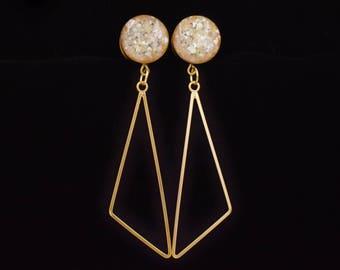 Pearl Crushed Shell Geometric Triangle Dangle Plugs /16g, 10g, 6g, 4g, 2g, 0g, 00g, 7/16, 1/2, 9/16, 5/8, 11/16, 3/4 /Wedding Hanging Gauges